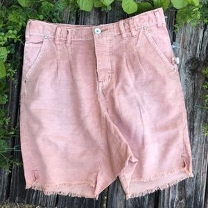 WE THE FREE   SHORTS SIZE 2 PINK NWOT